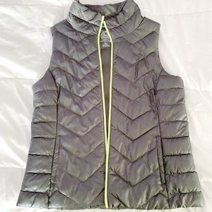 SO Grey Puffer Vest with Green Zipper